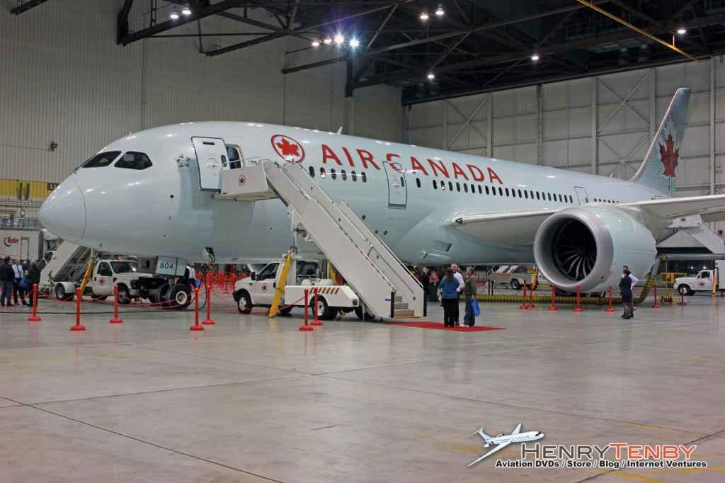 Air Canada 787 Dreamliner debut