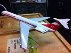 Interflug IL-62 DDR-SEG professional airline display model 1/100 scale