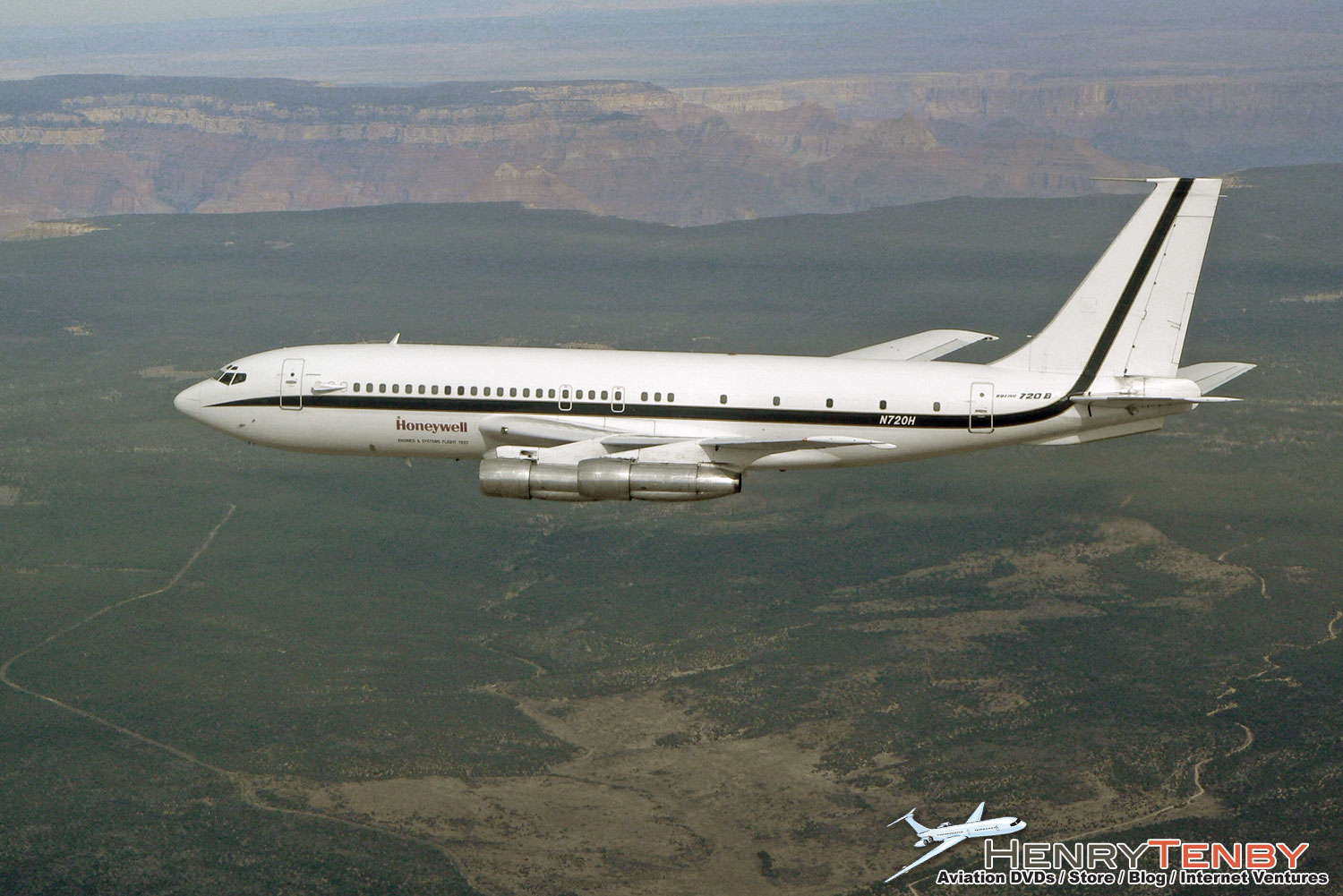 Honeywell's Boeing 720 by Henry Tenby