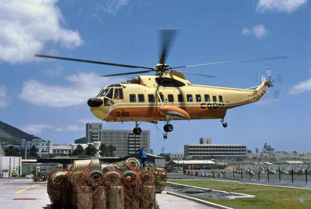 Court Line Sikorsky S-61 ZS-HGU at the Cape Town dock, South Africa, November 14, 1978. Photo by Ron Kosys.