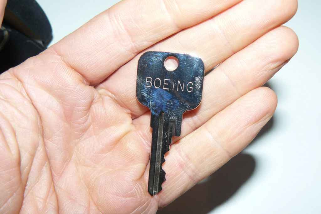 Boeing jetliner key with Boeing part number