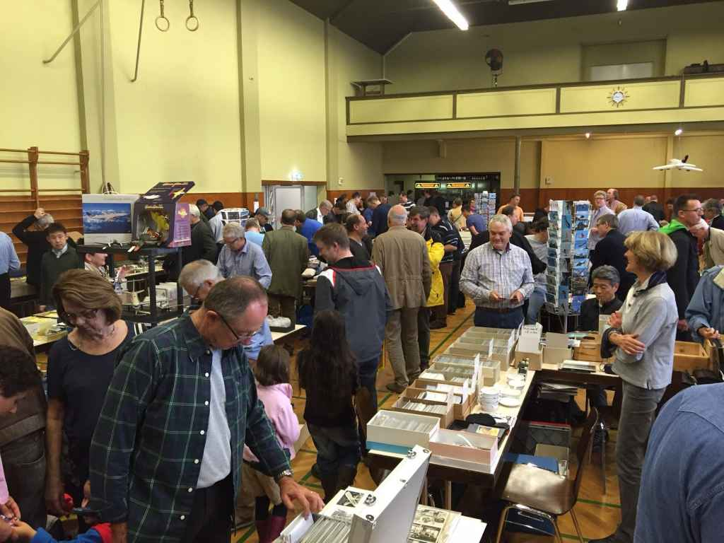 Main haul was always super busy at the Schwanheim 2015 airline collectibles show. on the Saturday.