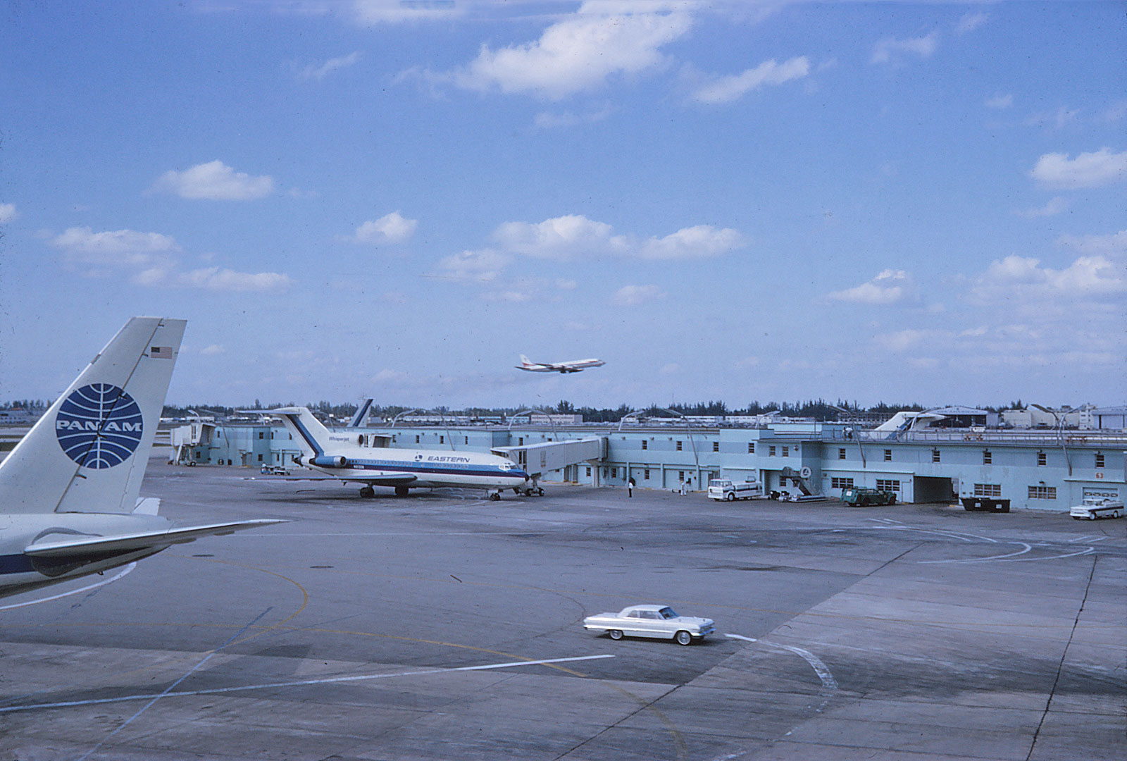 American Dream Circa 1960 >> Miami Airport Observation Decks expansion early 1960s ...