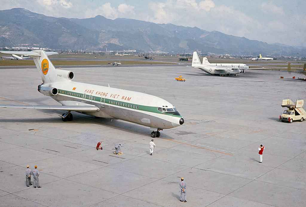 Hang Khong Viet Nam Airlines Boeing 727-100 at Taipei Sung Shan airport circa 1971. Most probably operating a sked service from South Vietnam.