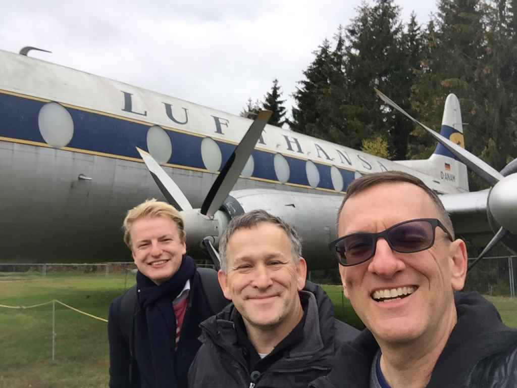 Niels Dam, Andreas Stryk and Henry Tenby captured in the optimal selfie with the Lufthansa Viscount 800 as the backdrop. At the Hermeskeil aviation museum in Germany.