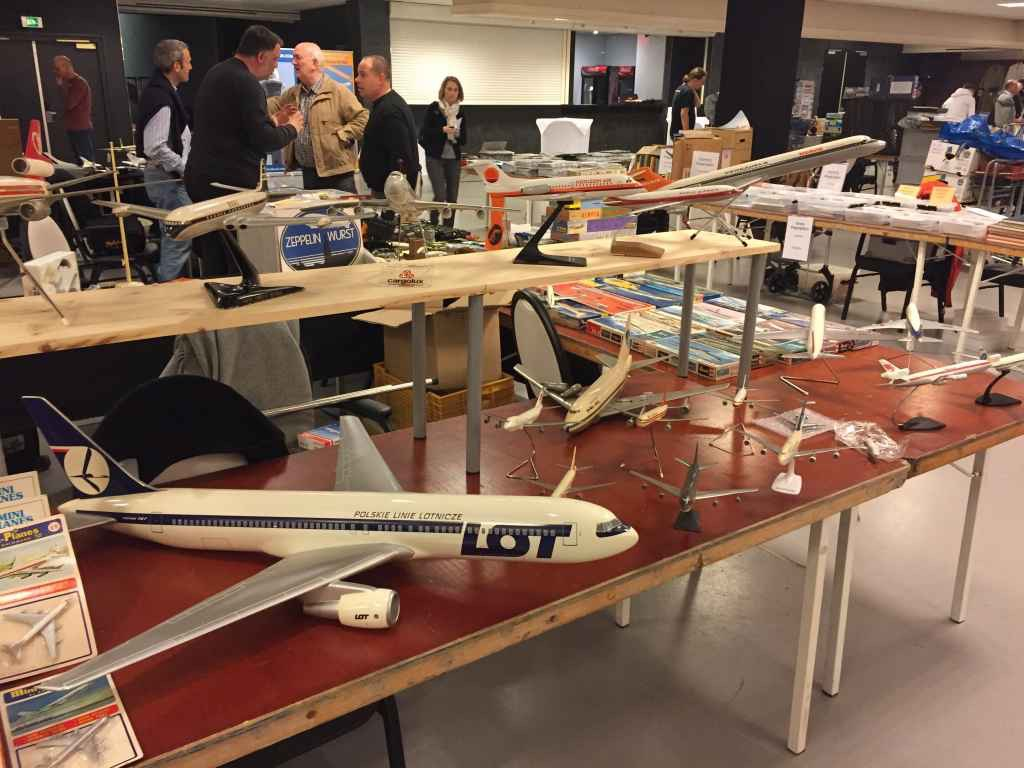 This is the table of models for sale of display model collector David Bourgaud from Paris, as presented at the 2019 Amsterdam Aviation Fair.