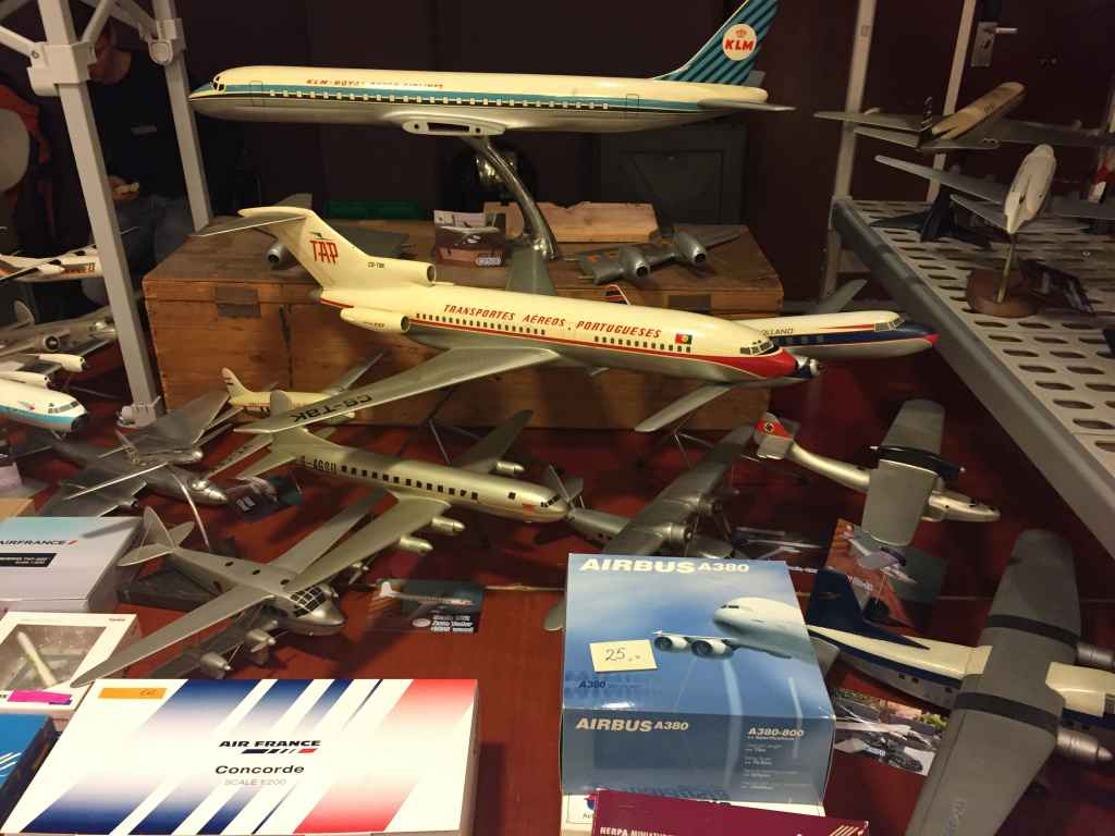 A nice 1/50 fibreglass TAP Portugal 727-100 travel agent model for sale at the Amsterdam Aviation Fair 2019.