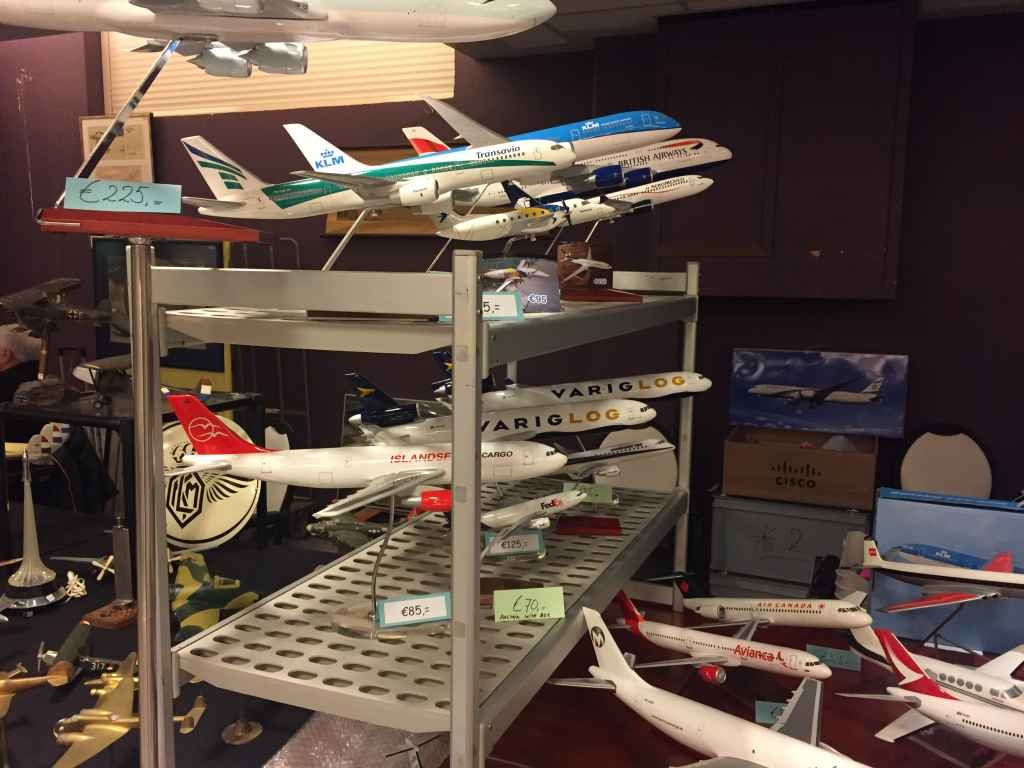 Another selection of budget priced value models from the modern era offered for sale at the 2019 Amsterdam Aviation Fair. These entry level models are ideal for new collectors entering the hobby.