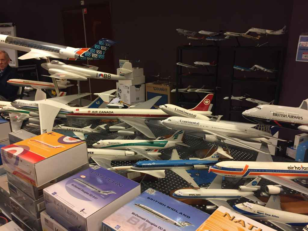 These models were for sale on the tables of Patrick van Rooijen, the Managing Organizer of the Amsterdam Aviation Fair. He sold the large Air Canada DC-8-63, and the 1/50 scale Uzbekistan IL-76.