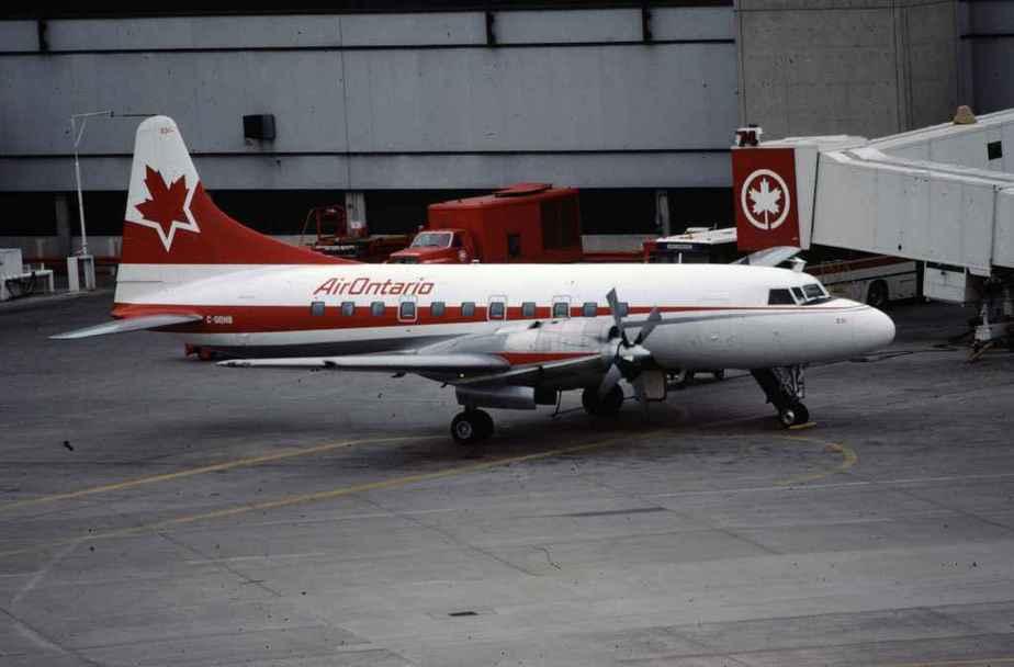 SP4633 Air Ontario CV580 C-GQHB YYZ May1988