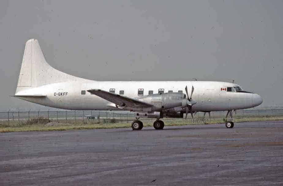 SP4672 Kelowna CV580 C-GKFF YYZ Aug1989