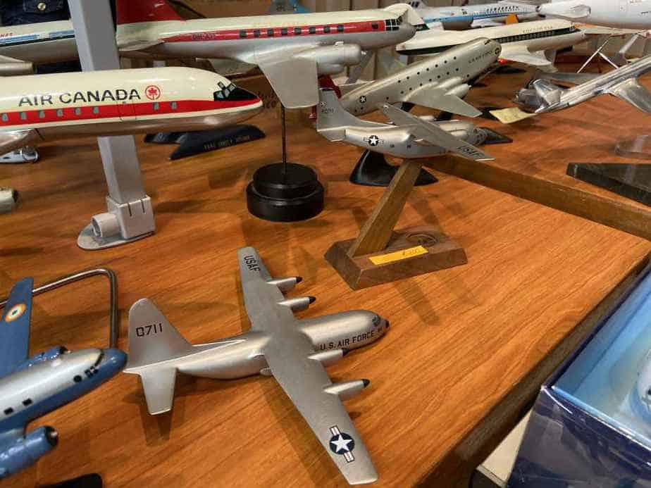 Ed van Rooijen from Amsterdam brought a fabulous selection of models for sale to the Frankfurt Schwanheim airline show in November 2019, including these US Air Force metal ID models.