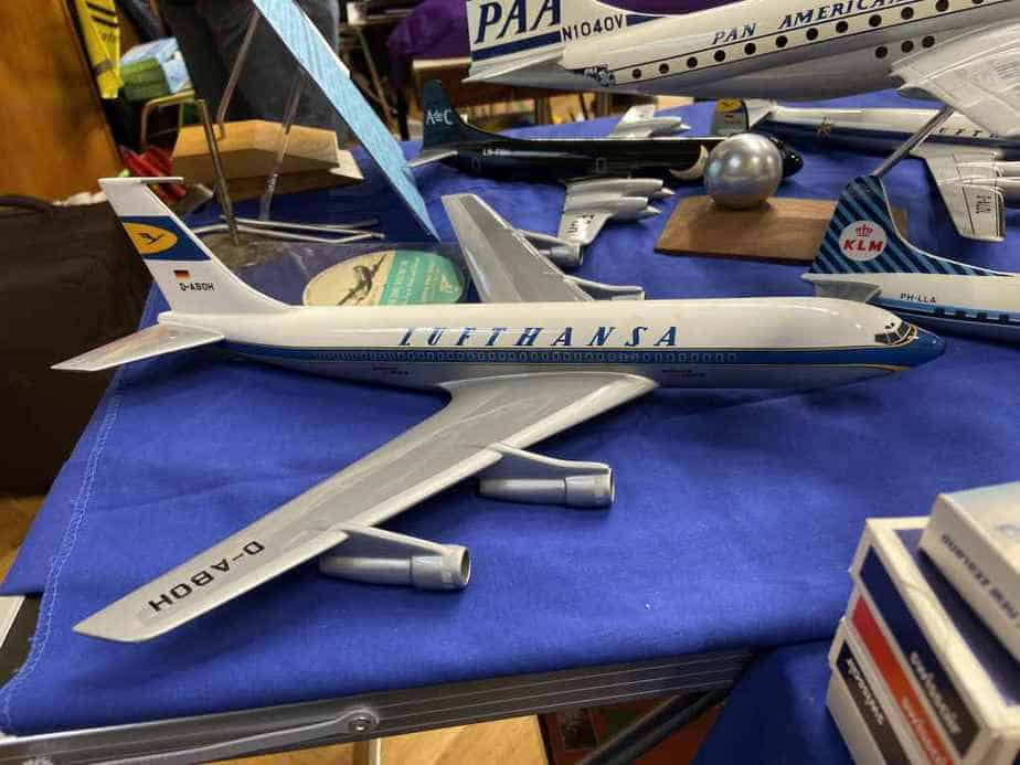Very nice 1/100 Vogelaar Lufthansa 720 model for sale with a very high price of 450 EUR at the Frankfurt Schwanheim Airline show in November 2019. This model did not find a buyer.