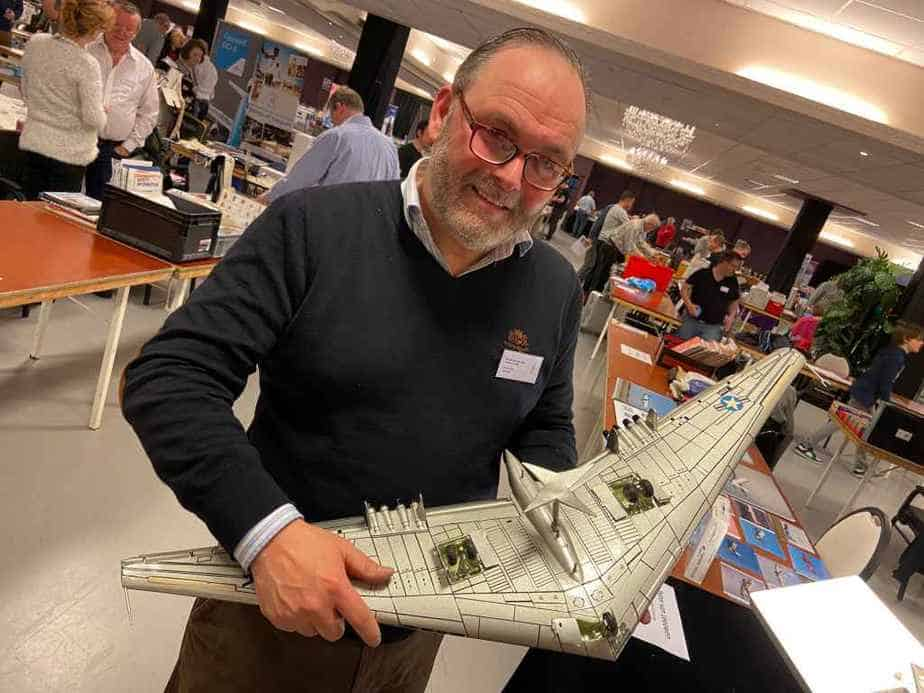 Peter Casell with his hand made large scale flying wing model. Price was 900 Euros.