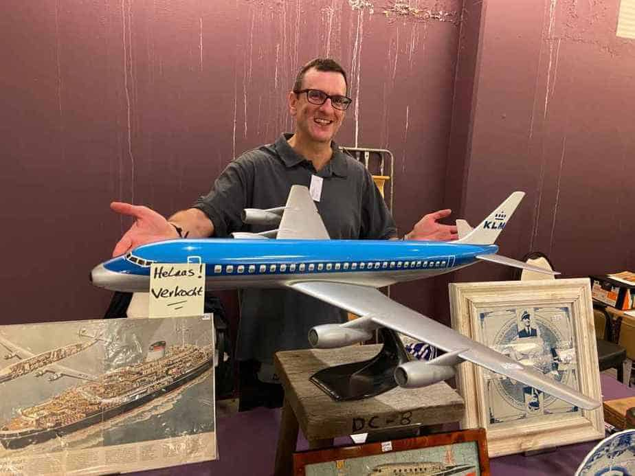 Henry Tenby with a 1/50 Verkuyl metal DC-8-50
